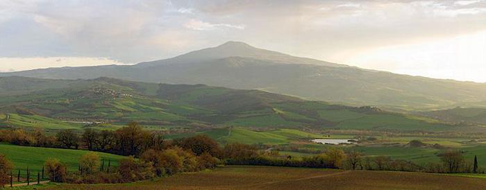 19 giugno 2016  Il Monte Amiata   da Vivo d'Orcia a Campiglia d'Orcia