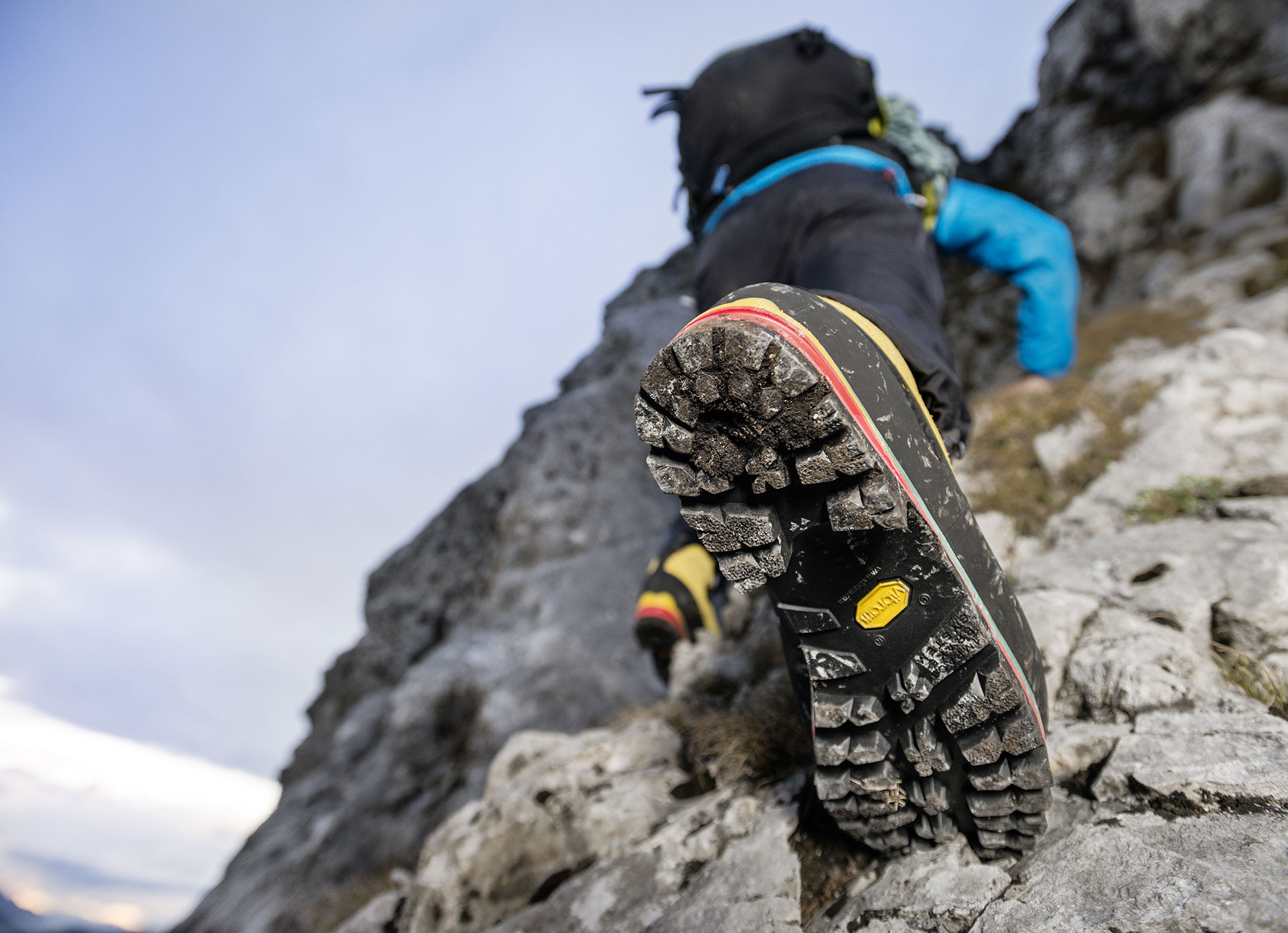 Gruppo Alpinistico E. Comici COMUNICAZIONE NUOVO CORSO AR1